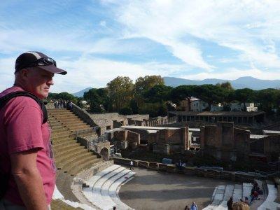 Pompeii_Da..theatre.jpg