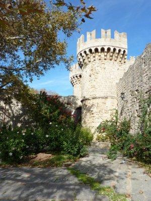 Rhodes_Old_Town_2.jpg