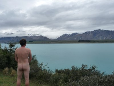 The Naked Travellers strikes again!