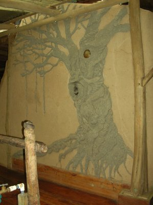 the daub mural at the entrance to the Hankey House