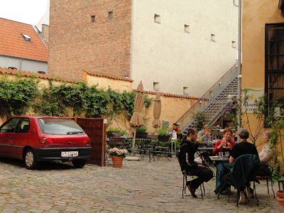 Courtyard garden, Cafe Gaya