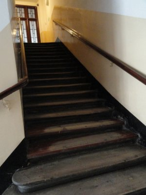 Stairs with sloping steps