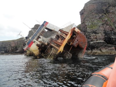 Wreck of French trawler, Rum