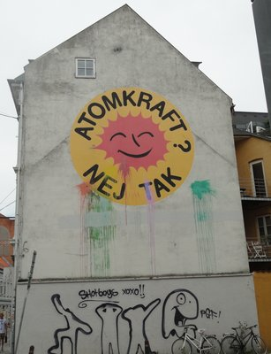 Streetart  -  Nuclear power, No thanks