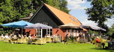 Aalekronen - a great place to enjoy lunch by the lake