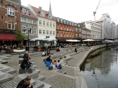 Aarhus's favourite meeting place with great restaurants by the canal