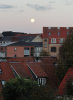 Full moon over Aarhus - early morning