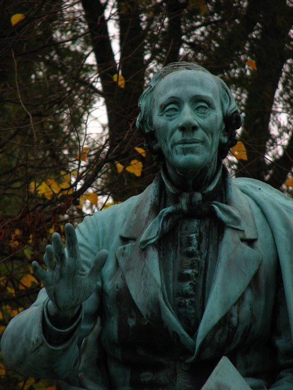Statue of Hans Christian Andersen