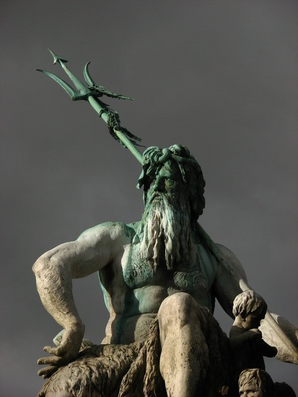 Neptunbrunnen detail