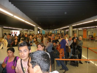 Immigration queues CDG airport France