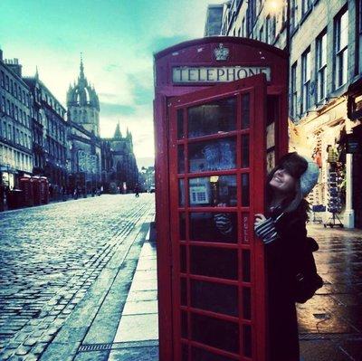 graci_edin..phone_booth.jpg