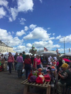Market and view to Uspenski Cathedral