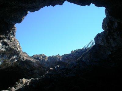 """""""Udsigt"""" fra en af hulerne, Craters of the Moon National Monument"""