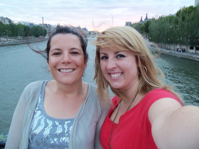 Ashlee and Morgane on the Pont des Arts
