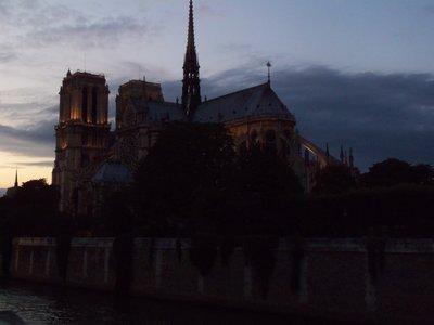 Notre Dame de Paris en nuit