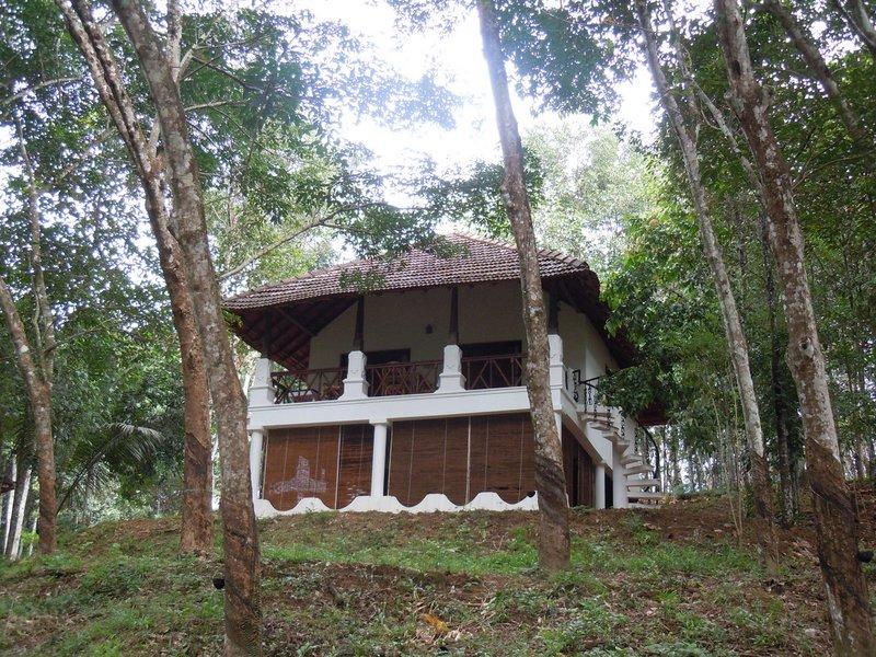 large_cottage_at_Dukes.jpg