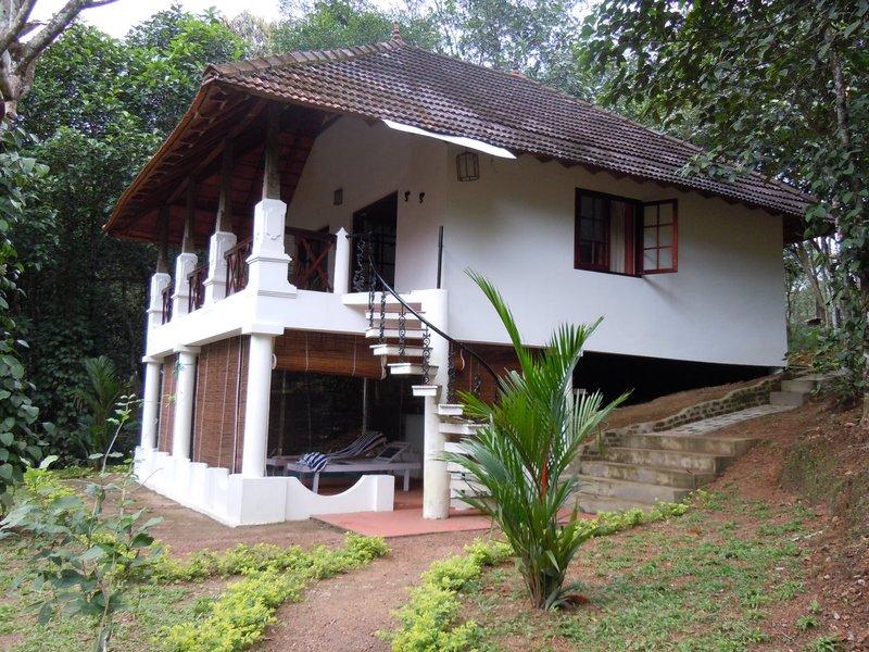 large_cottage_at_dukes_2.jpg