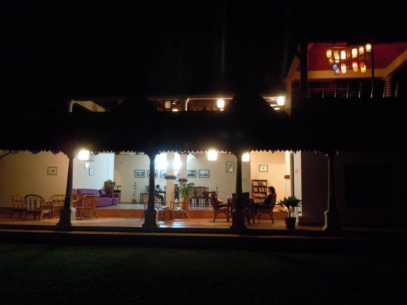 large_evening_dinner.jpg