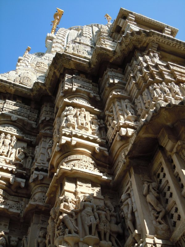large_hindu_temple_exterior.jpg