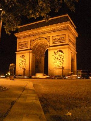 Arc du Triumphe at Night