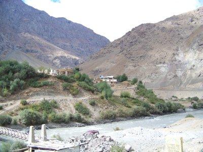 India 2011 587