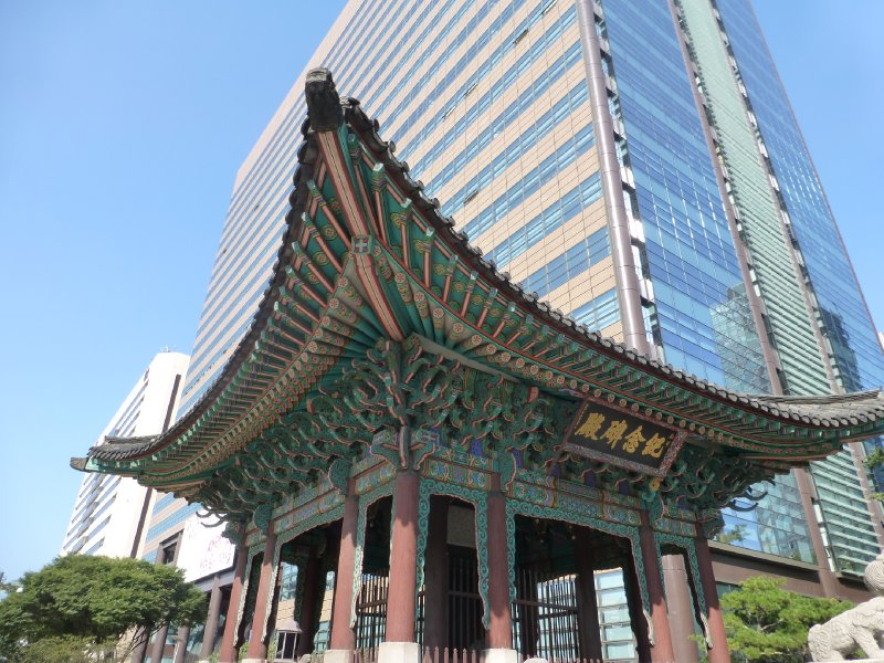 Both old and new in Seoul