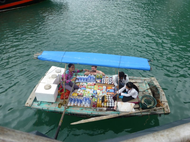 How to Buy Food in Halong Bay