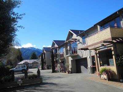 Settlers Motel...
