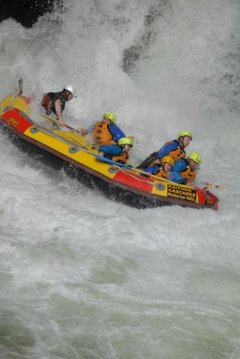 Rafting - Beginning to mount!