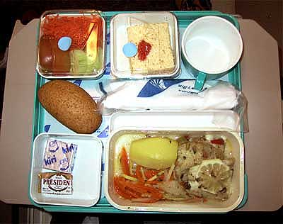 this is the meal set on the plane