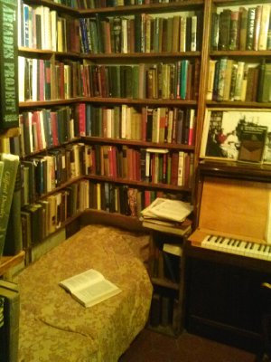 Shakespeare & Co bookstore - my little nook