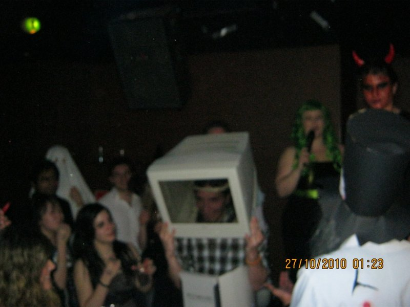 The price for the craziest costume!