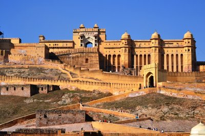 The front of the immense Amber Fort