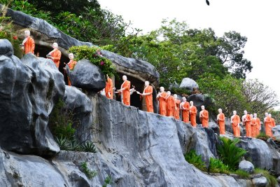 The monk mannequins at the Golden Temple in Dambulla