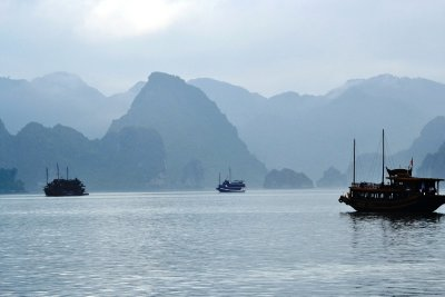 The amazing scenery of Ha Long Bay