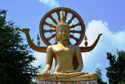 The huge, golden Big Buddha statue on Koh Samui