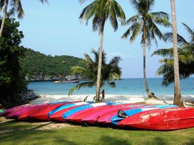 Kayaks on the Angthong National Marine Park beach