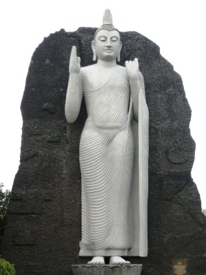 Buddha statue on the way to Sigiriya