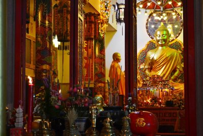 The large Buddha image inside the Temple