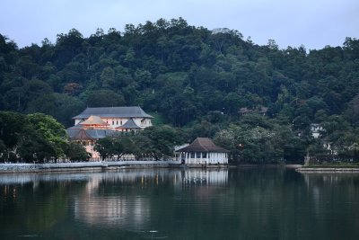 View across Kandy lake