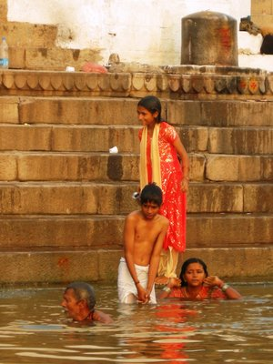 Children washing themselves on the Ghats