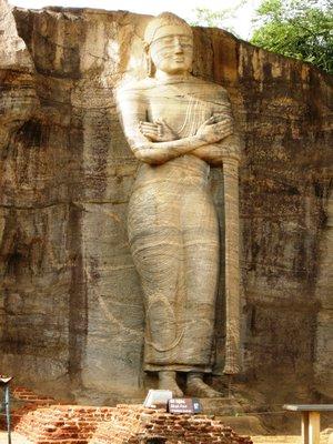 ruins_buddha_standing.jpg