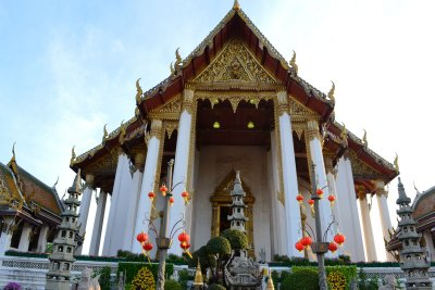 The beautiful entrance to Wat Suthat