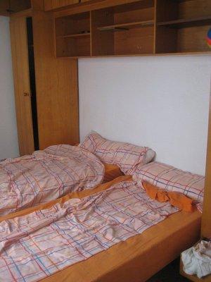soverom med flott nytt sengetøy