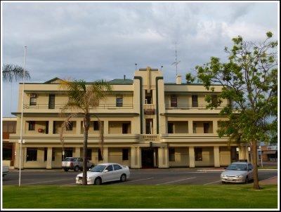 Renmark Hotel