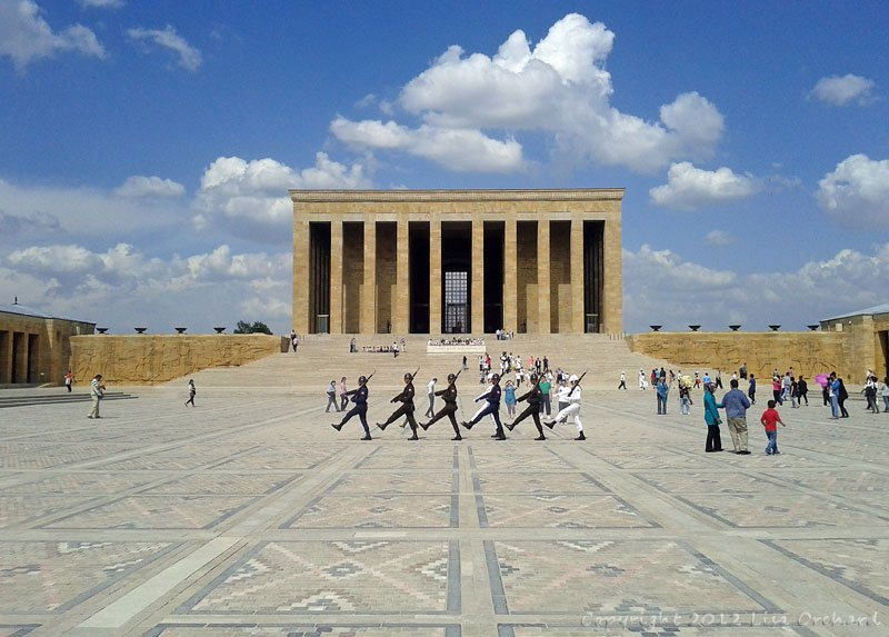 Changing of the guard at Ataturk's tomb