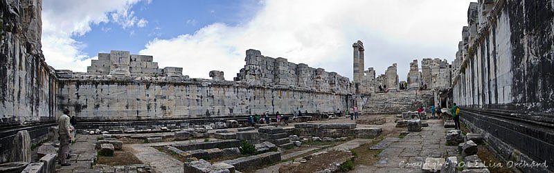 Central courtyard (cella) of the Temple of Apollo