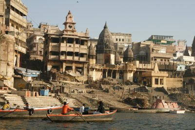 Lull at the Manikarnika Ghat