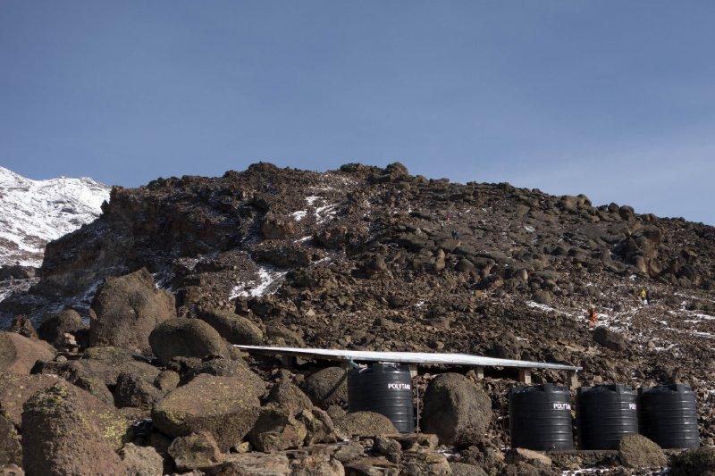 2013-03-10 - Tanzania - Kilimanjaro Day 7 - (37)