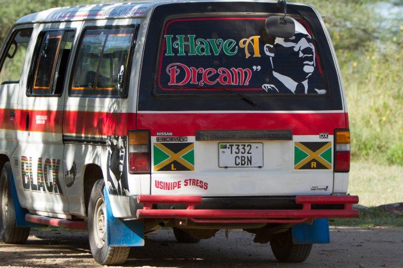 2013-03-17 - Tanzania - 2 - Ngorongoro Park - (1) - MLK Truck